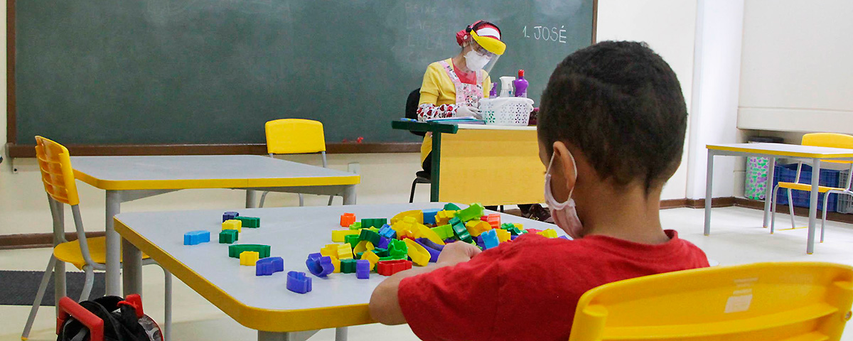 Obras paradas escancaram descaso com educação